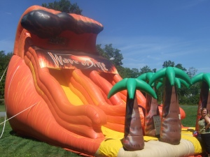 Giant bounce house