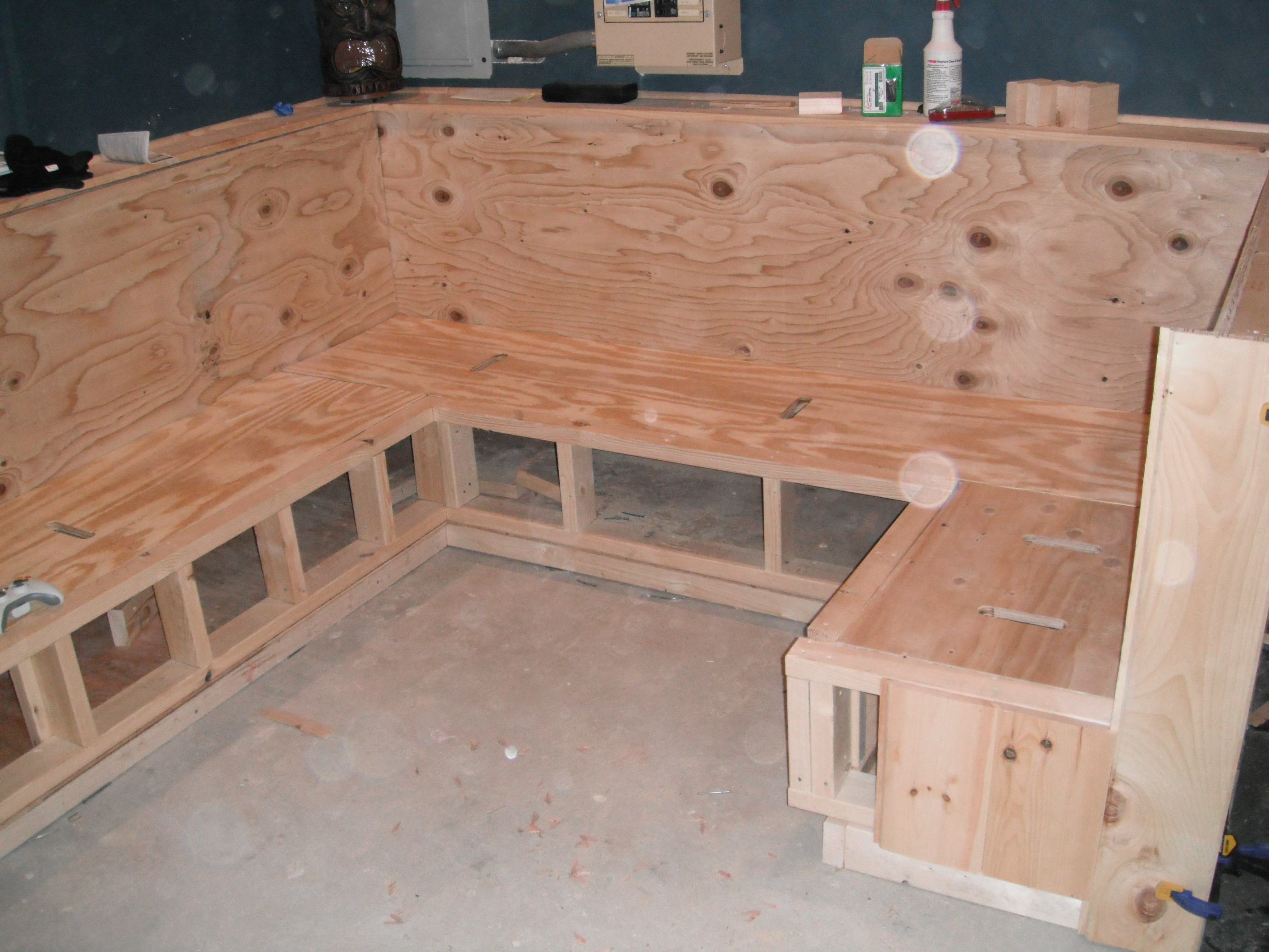 Bar Build 044: Bench Build Day Three | The O\'Shea Family Weblog